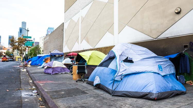 Donate to fund KCRW's reporting on LA's homeless crisis and other pressing issues