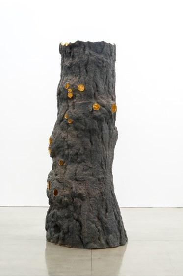 Giuseppe Penone, Luce zenitale / Zenithal Light, 2012Bronze, gold.132 x 55 1/16 x 45 inches. (335.3 x 139.9 x 114.3 cm)