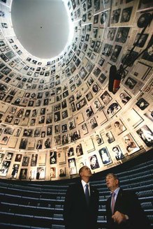 Obama-Holocaust Museum