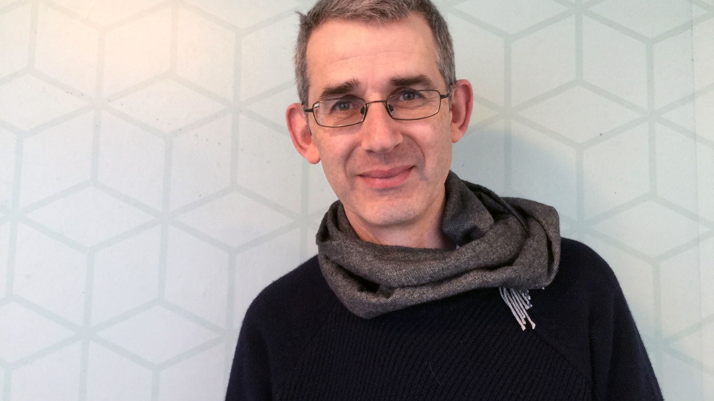 Edmund de Waal takes us on a vast journey into the history and heart, skin and bones of porcelain.