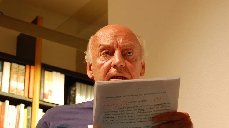 Eduardo Galeano has written a history of the world in brief chapters, each one devoted to an iconic incident...