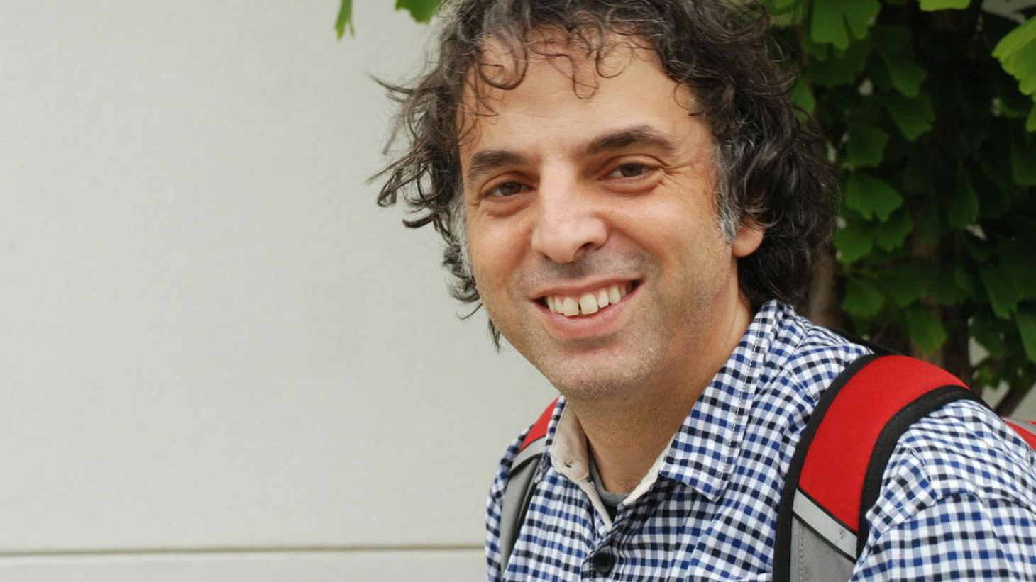 Israeli writer Etgar Keret talks about the explosive and funny stories that voyage into the fantastic in his new book.