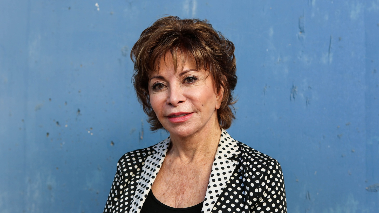Storytelling queen Isabel Allende wrote a time-crossing, culture-hopping chamber piece that gives faces to immigration during these dark times for literature, In the Midst of Winter.