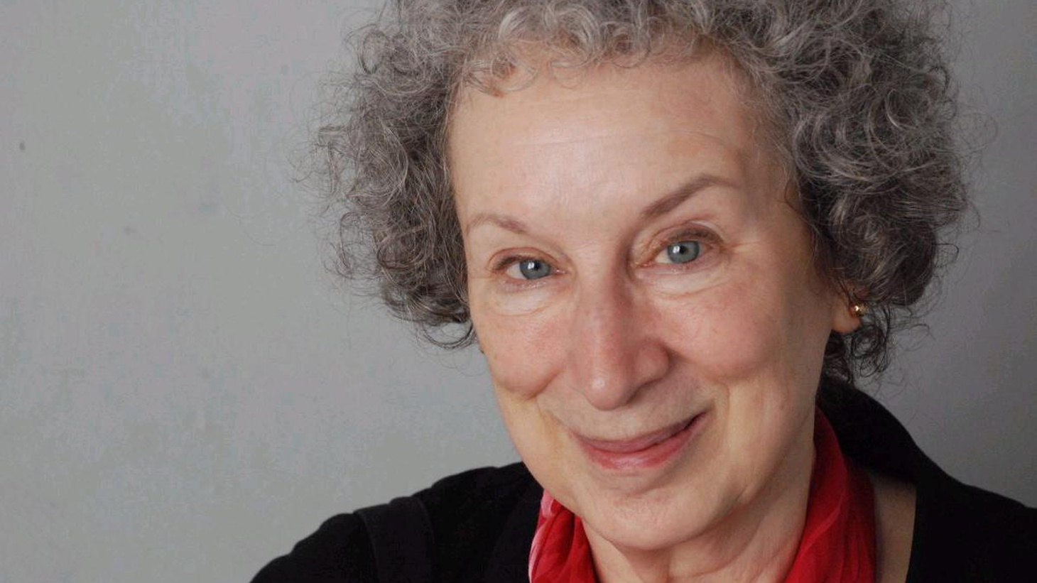 Margaret Atwood thinks she has done something new: her novel takes place simultaneously with Oryx and Crake — her nightmare novel about the biotechnological future...