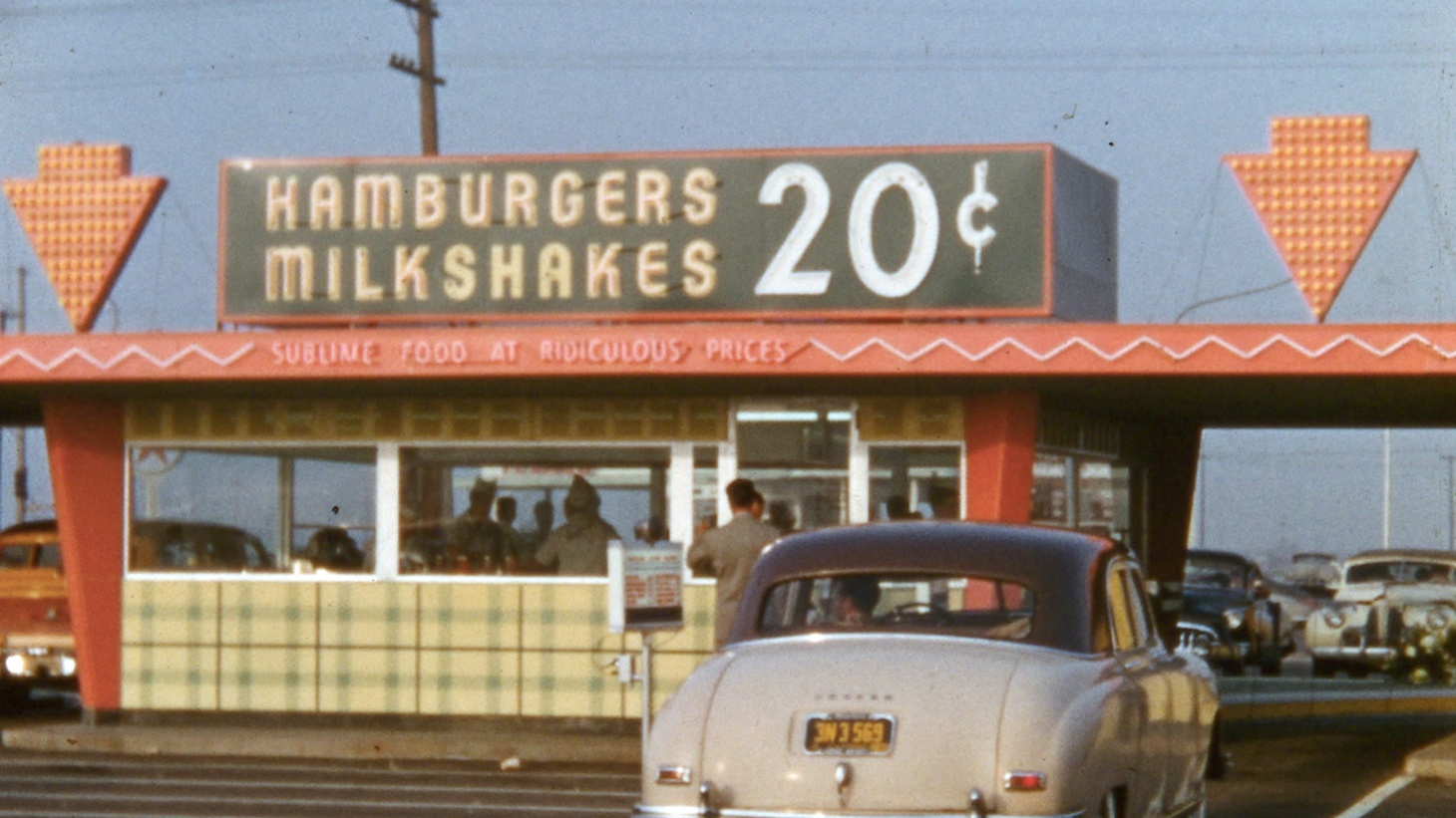 "Beany's Drive-In in Long Beach, 1952. From ""Lost Landscapes of Los Angeles"" by Rick Prelinger"