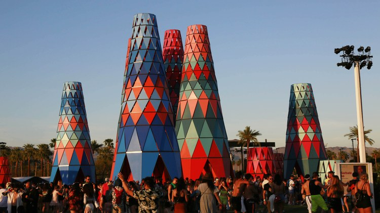 DnA slaps on the sunscreen and heads to Coachella to meet the artists, designers and architects who have brought the polo fields to life with colorful large-scale art installations…