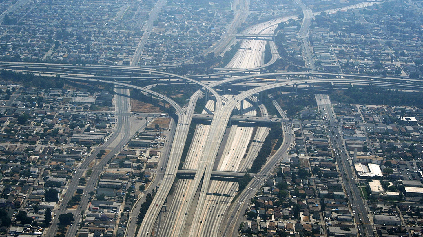 The 110 and 105 interchange in Los Angeles Photo courtesy of Rémi Jouan    President Trump has proposed rolling back CAFE standards, the gas mileage levels set for cars and light trucks in the US. Meanwhile, there's a surge of home construction dangerously close to freeways, where air pollutants from car tailpipe emissions contribute to higher…