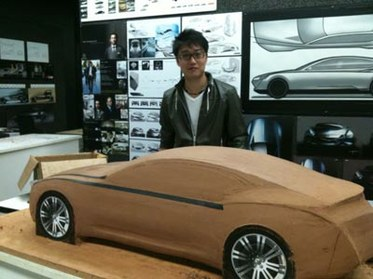 Chao-Feng-by-his-concept-car.jpg