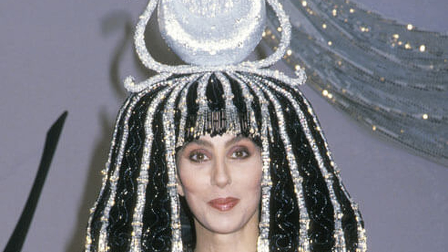 At a 1988 Halloween party in Century City, Cher channeled Cleopatra with a wig-headpiece hybrid that screamed statuesque.