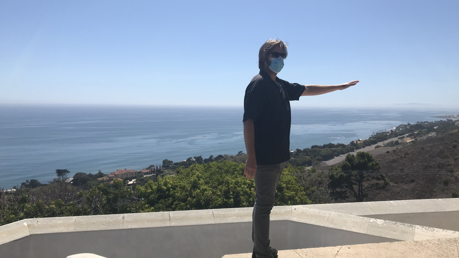Geoffrey von Oeyen surveys the view from Horizon House in Malibu, as he rebuilds two years after the Woolsey Fire destroyed the first house.