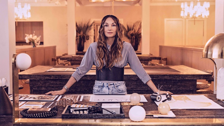 Kelly Wearstler has reigned in interior design since arriving in Los Angeles in the 1990s. She's now teaching an online MasterClass.