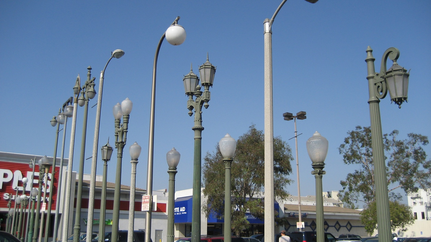 """The sculptural installation Vermonica is an """"urban candelabra"""" of 25 Los Angeles street lamps installed in an East Hollywood parking lot in 1993."""
