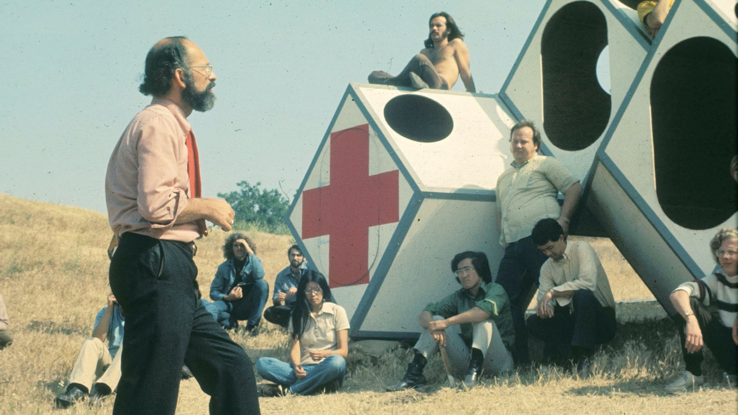 Ray Kappe instructing a class in the early days of SCI-Arc.