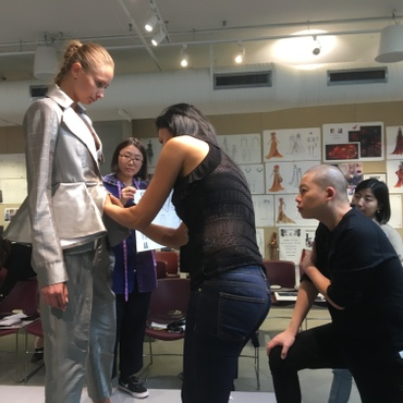 Fifteen fashion design students at Otis College of Art and Design just spent nine months working with celebrity designer Jason Wu, famed for his sumptuous inaugural ball gowns for…