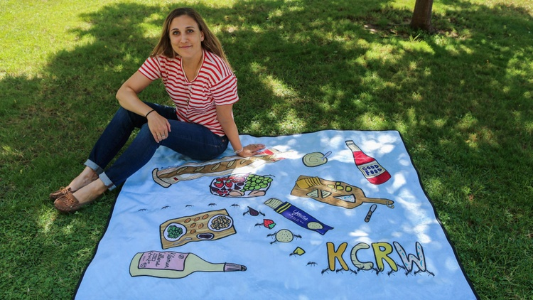 Stacy Michelson and the Good Food picnic blanket she designed Photo by Christopher Ho 