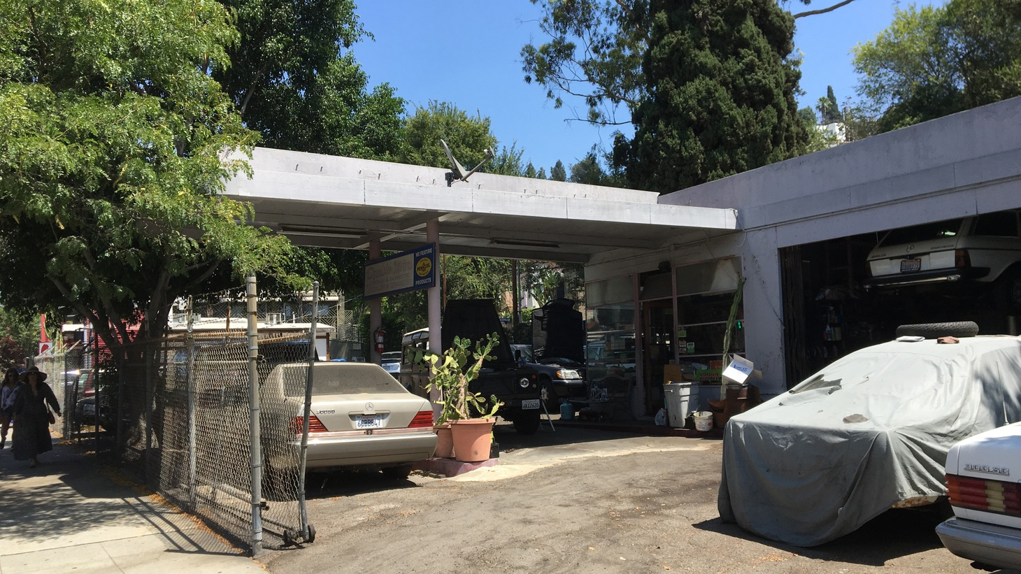 There's an old service station in Silver Lake, just a couple blocks south of the reservoir. You might not even notice it if you walk by.