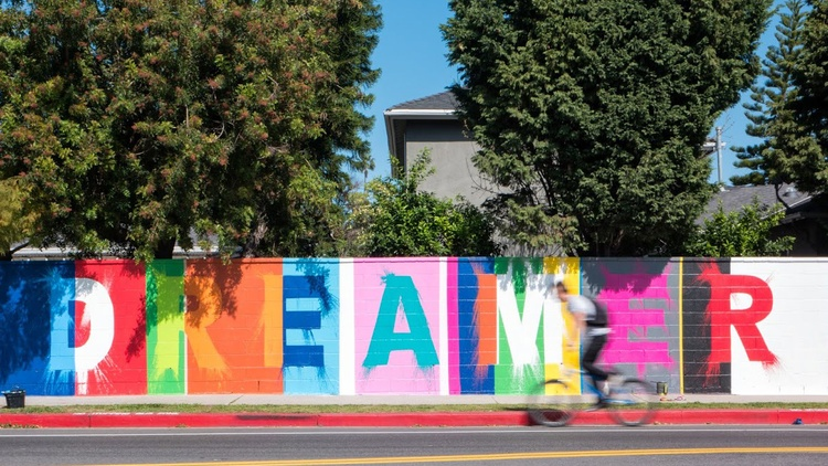 """Dreamer"" mural by Ruben Rojas, co-founder of Beautify Earth 