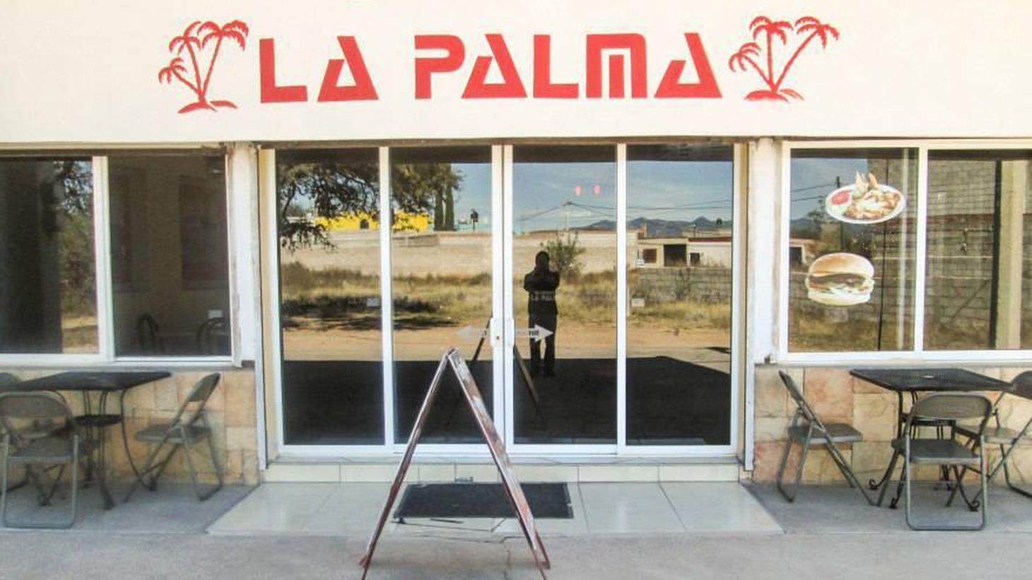 Pulitzer Prize-winning food writer Jonathan Gold reviews Burritos La Palma, a taqueria in El Monte.