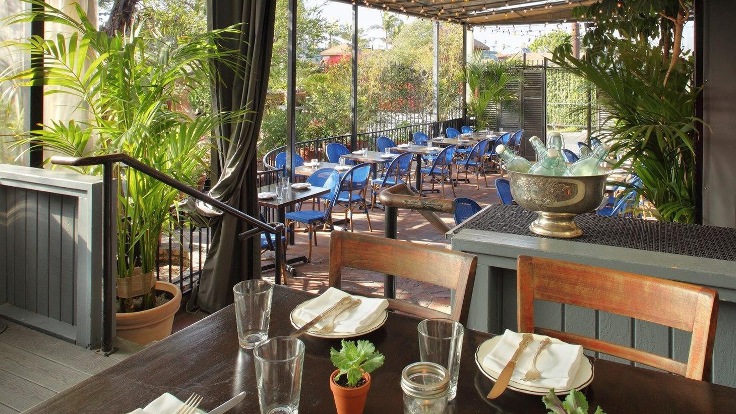 Jonathan Gold reviews Govind Armstrong's new restaurant Willie Jane in Venice.
