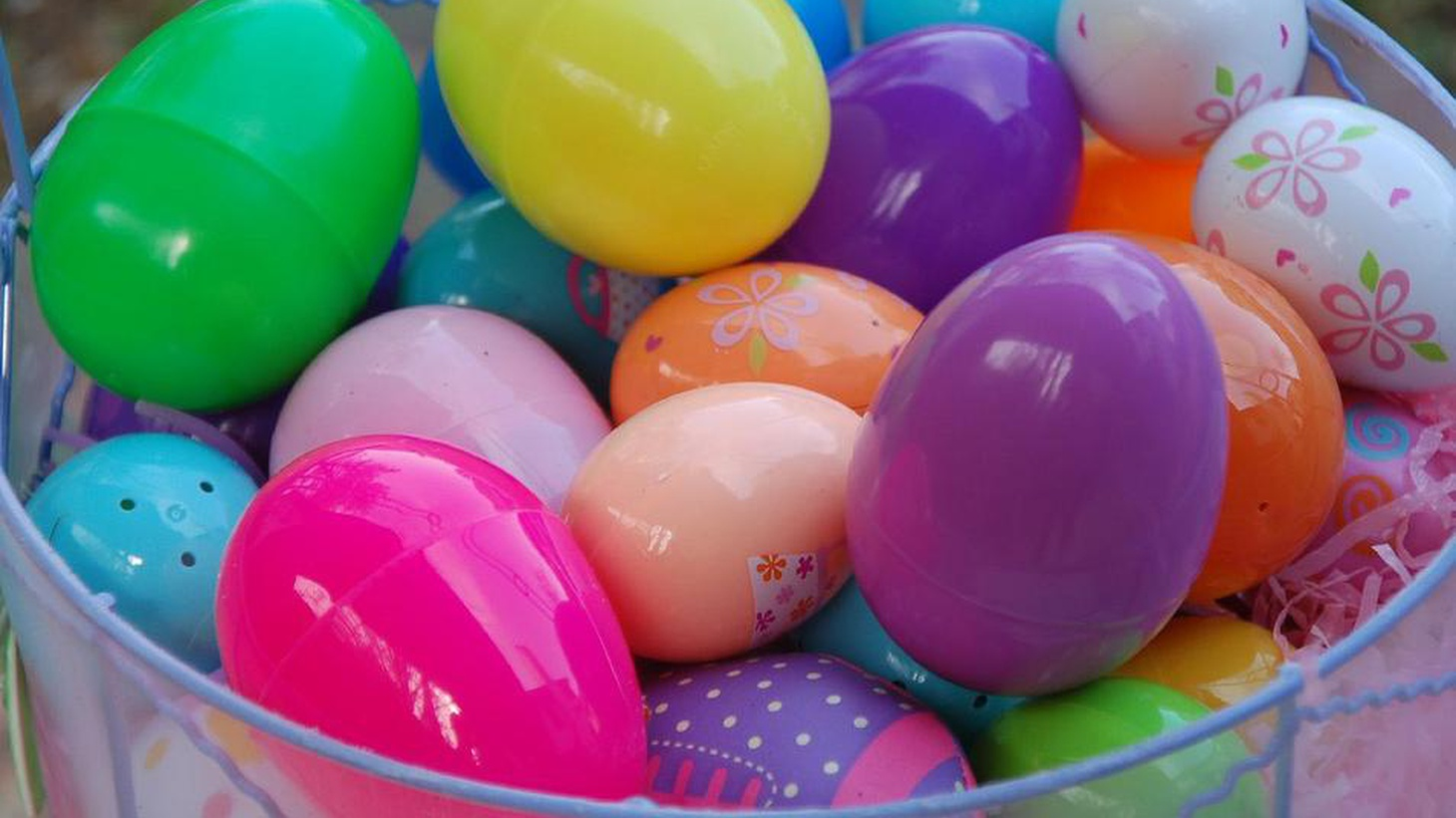 From eggs to candy, we cover all things Easter. Plus, we head to Little Saigon for nem nuong and hear an update on the status of the Sriracha factory in Irwindale.