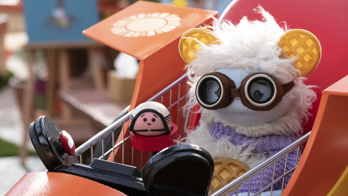 """Intrepid puppets """"Waffles & Mochi"""" embark on culinary adventures around the world to learn about ingredients and meet famous chefs in a 10-episode series for Netflix."""