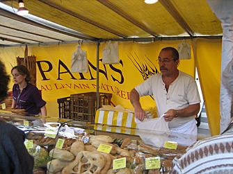 Paris-vendor.jpg