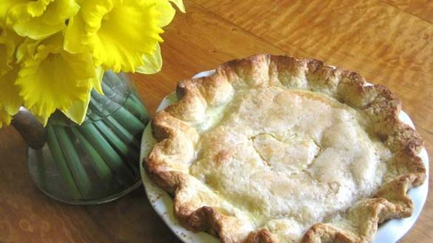 Kate McDermottis Art of The Pie in Seattle, Washington. Kate was featured in Seattle Magazine's Best of 2010 and teaches many Pie Baking Workshops and Classes.