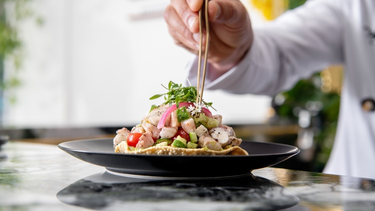This summer  restaurant critic Bill Addison   often found himself cooling off at Silver Lake's   Ceviche Project  , a cozy counter restaurant serving up well-composed tostadas and…