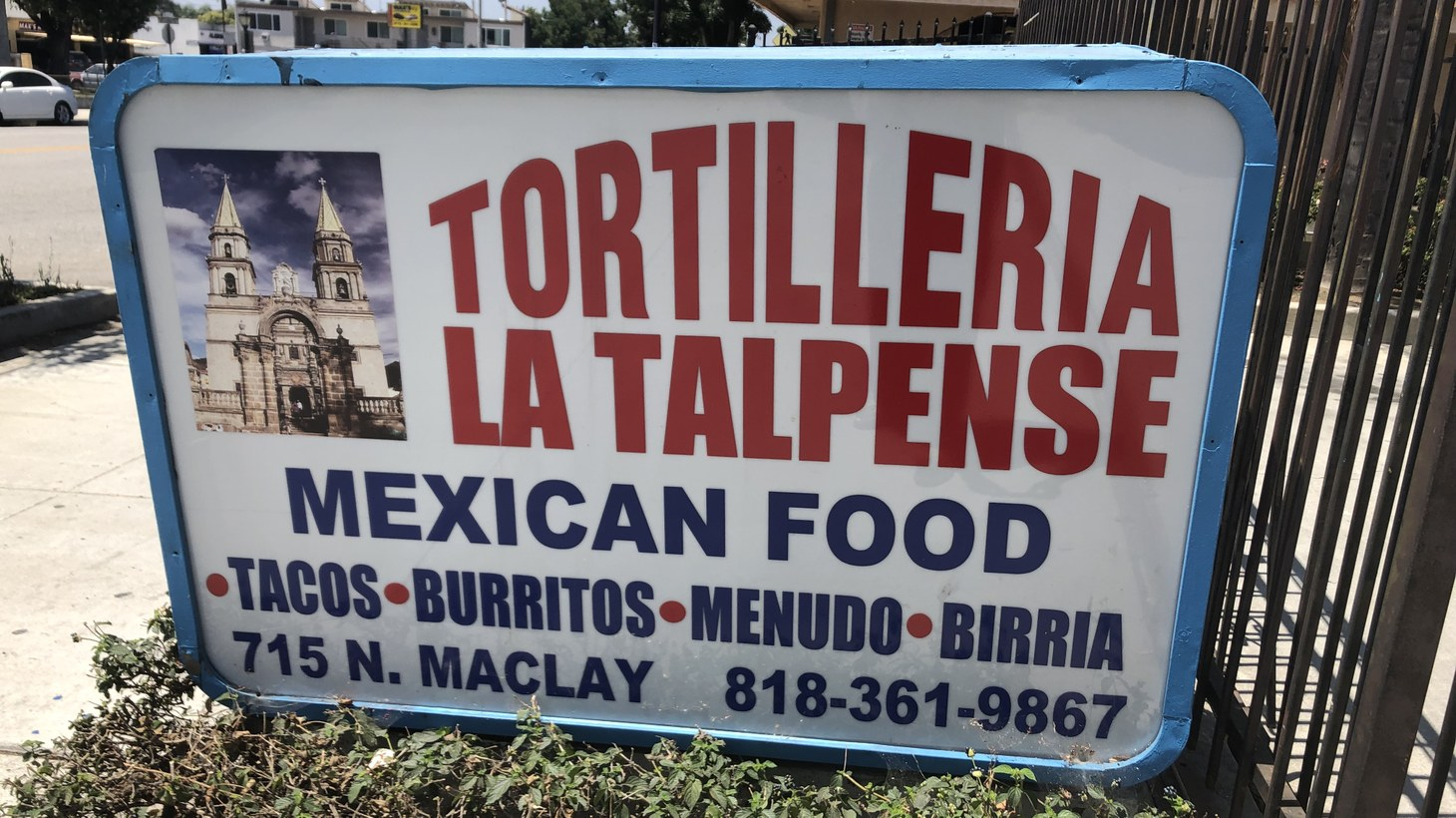 Reppin' the San Fernando Valley with thick, gordita-style yellow corn tortillas. Not a bad marquee, either.
