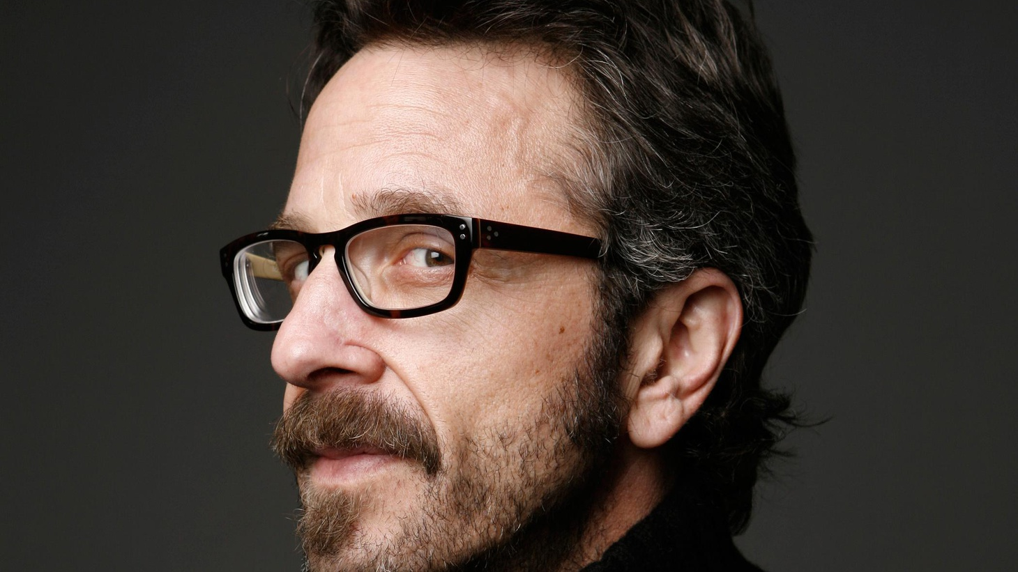 Marc Maron tells the story of his recent vacation in Hawaii.