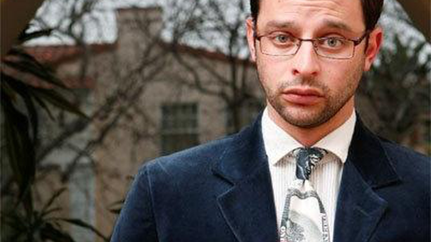 Nick Kroll has an accident.