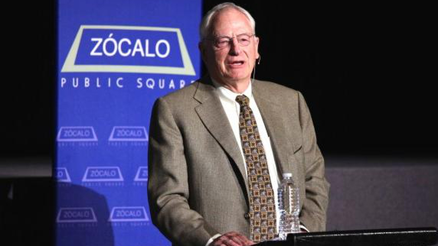 Former Kaiser Foundation CEO, David Lawrence spoke to a live audience on September 15, 2011, as part of Zócalo's ongoing series on healthcare.