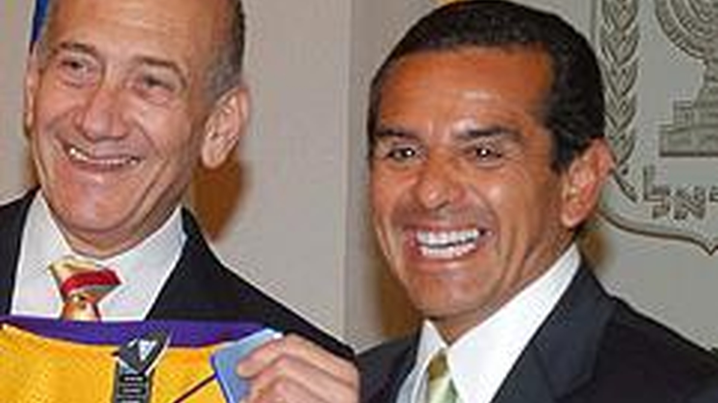 Since this is the first day of summer, it seems appropriate to talk about traveling. Mayor Antonio Villaraigosa flew to Israel last week on official for the city...