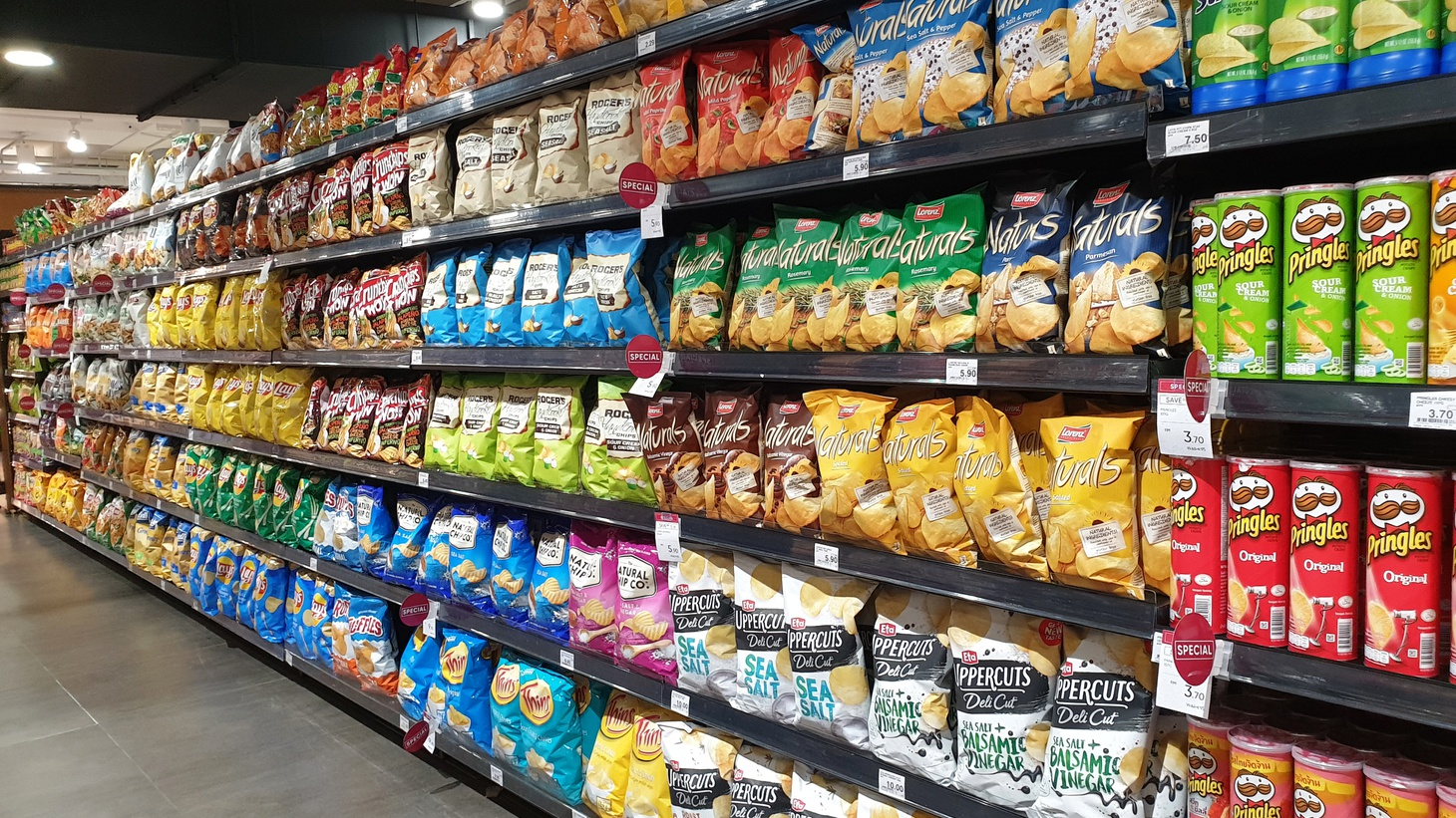 Snacking has become this fourth meal in America. On average, we're now getting something like 550 calories a day, a quarter of all the calories we get from snack foods that we're eating, which by definition, we're eating fast and hitting the brain fast, says author Michael Moss.