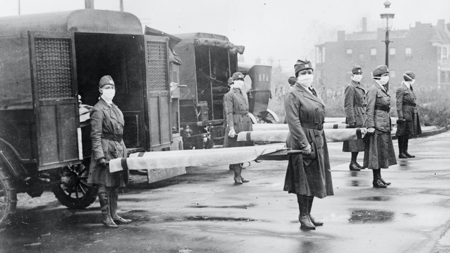 St. Louis Red Cross Motor Corps on duty during influenza epidemic, 1918.