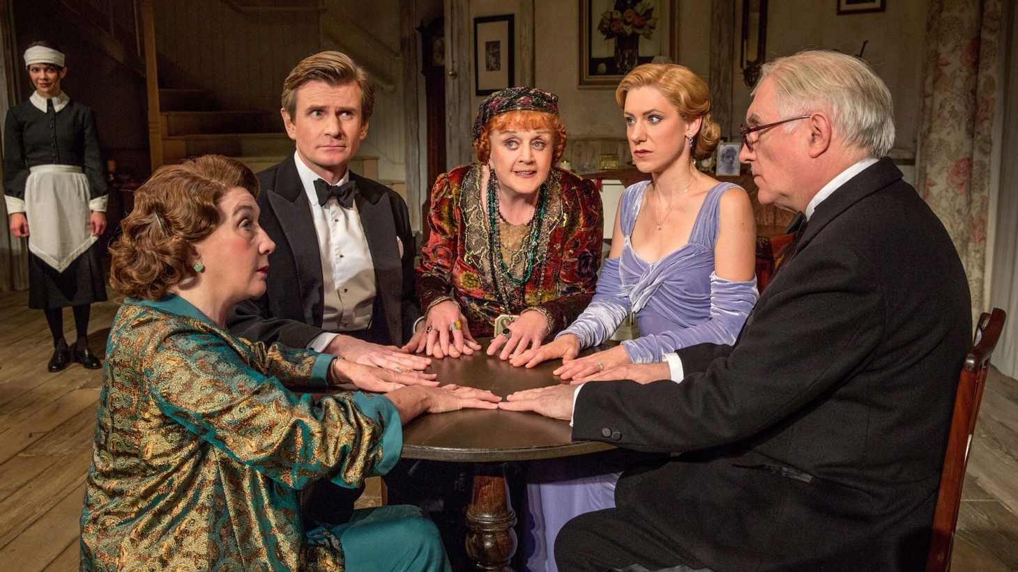 If you've still got holes on your holiday gift list or are looking for something to do with the in-laws from out of town, Blithe Spirit at the Ahmanson is the perfect theatrical distraction.