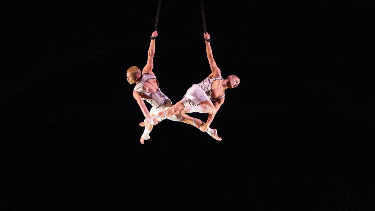 Let's start with what works in Cirque du Soleil's $100 million spectacle Iris at the Kodak Theatre in Hollywood...