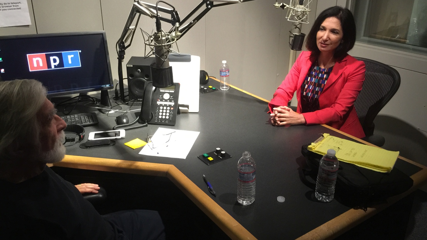 Robert Scheer discusses the culture of Wall Street and its influence on government with author, journalist and former investment banker Nomi Prins.