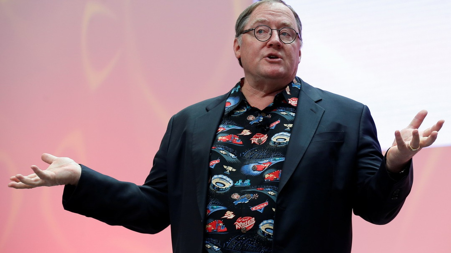 After a late Friday news dump, we re-banter about John Lasseter's departure from Disney, discuss why he had to go, and what this means for the world of animation. Plus, a look ahead to Tuesday's expected decision on the AT&T trial.