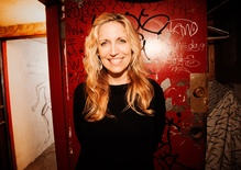 Comedian Laurie Kilmartin on Louis C.K. and her book 'Dead People Suck'