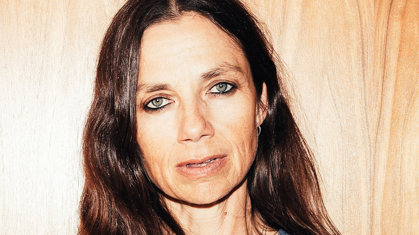 What's it like to be suddenly famous at 16? Justine Bateman found out when she was cast as Mallory in the hit NBC sitcom 'Family Ties.'