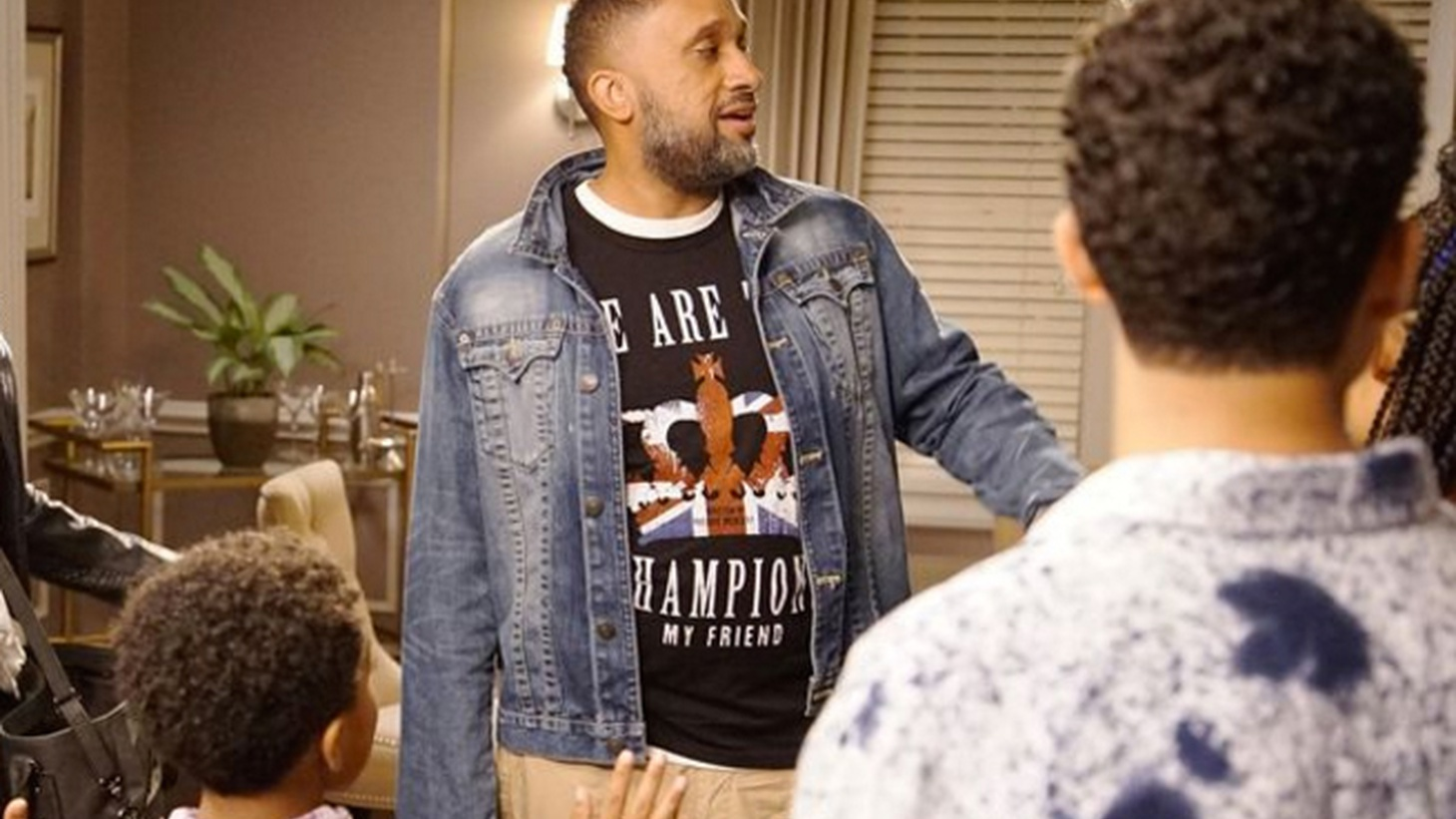 Writer-producer Kenya Barris tells us how he runs his writers room on his ABC show Black-ish, and what led him to write a much talked about recent episode about police brutality.