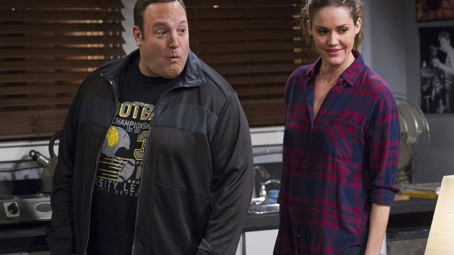 TV writer-producer Rob Long was brought in on short notice to run the faltering CBS sitcom Kevin Can Wait. Long talks about getting the sitcom back on track, why he hopes there's not a writers' strike, and what itPs like to be one of the few outspoken conservatives in Hollywood.