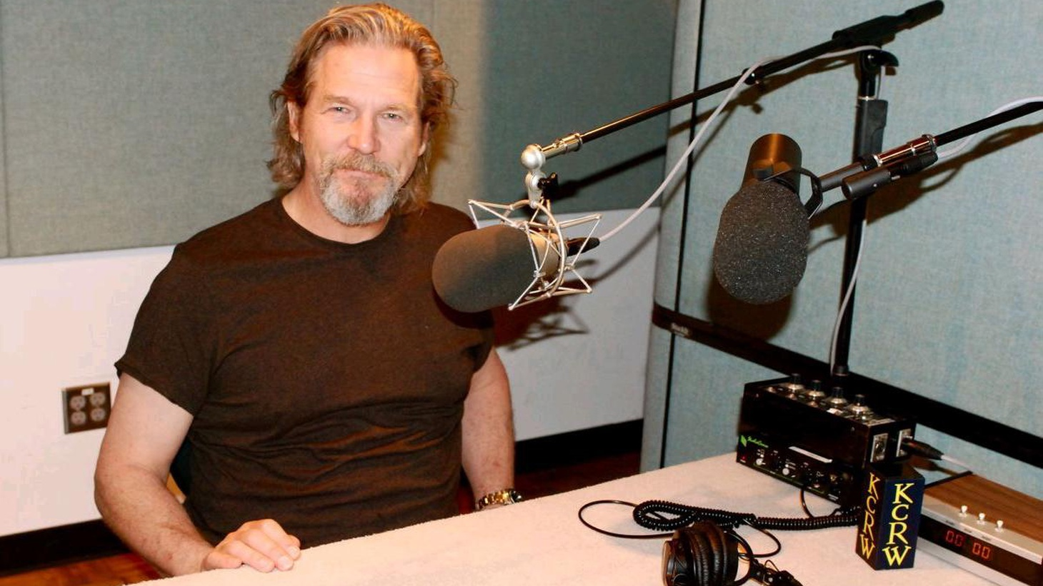 Jeff Bridges (The Last Picture Show, Texasville, Tron, The Big Lebowski) is a lucky break for first-time writer-directors.