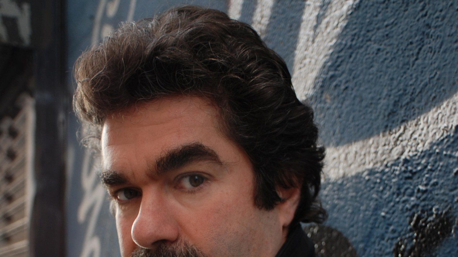 """Elvis Mitchell talks to Oscar-nominated filmmaker Joe Berlinger about his new documentary, """"Under African Skies."""""""
