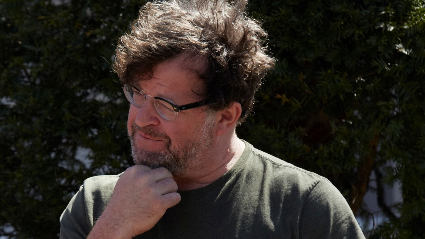 Writer/director Kenneth Lonergan join Elvis Mitchell to discuss creating believable on-screen human interaction in Manchester by the Sea.