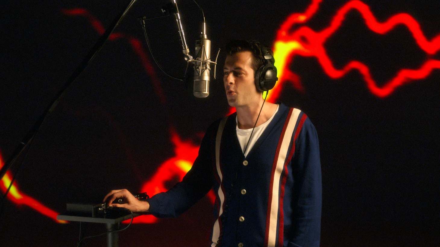 """Mark Ronson in """"Watch the Sound With Mark Ronson,"""" now streaming on Apple TV+."""
