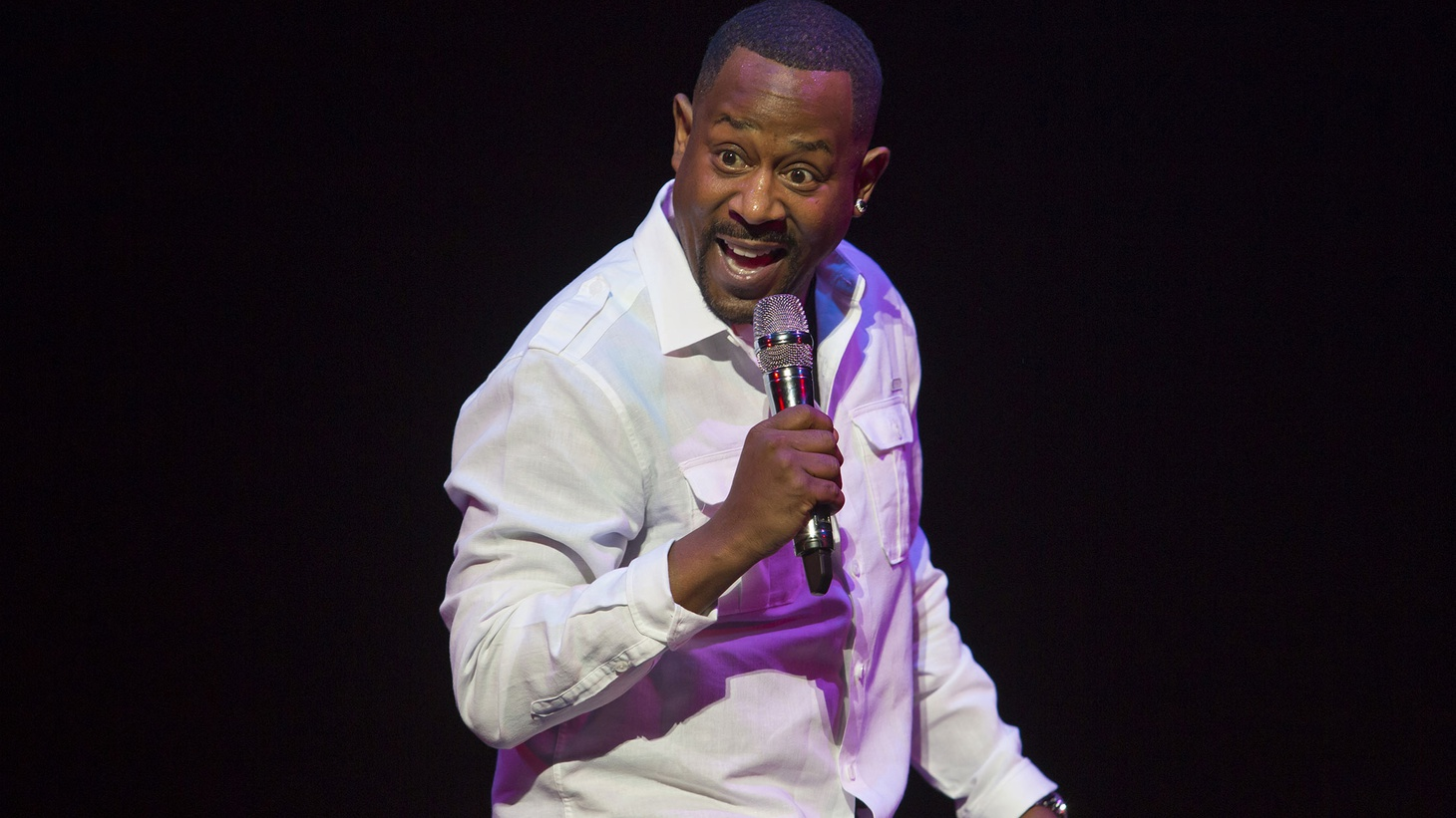 Comedian and actor Martin Lawrence joins Elvis Mitchell to discuss getting back on stage after 14 years in his new stand-up special Doin' Time: Uncut.