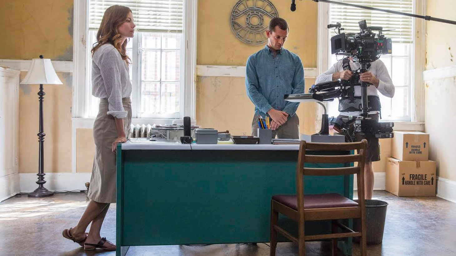 Michelle Monaghan joins Elvis to discuss the strength and darkness of her character Sarah on Hulu's The Path.
