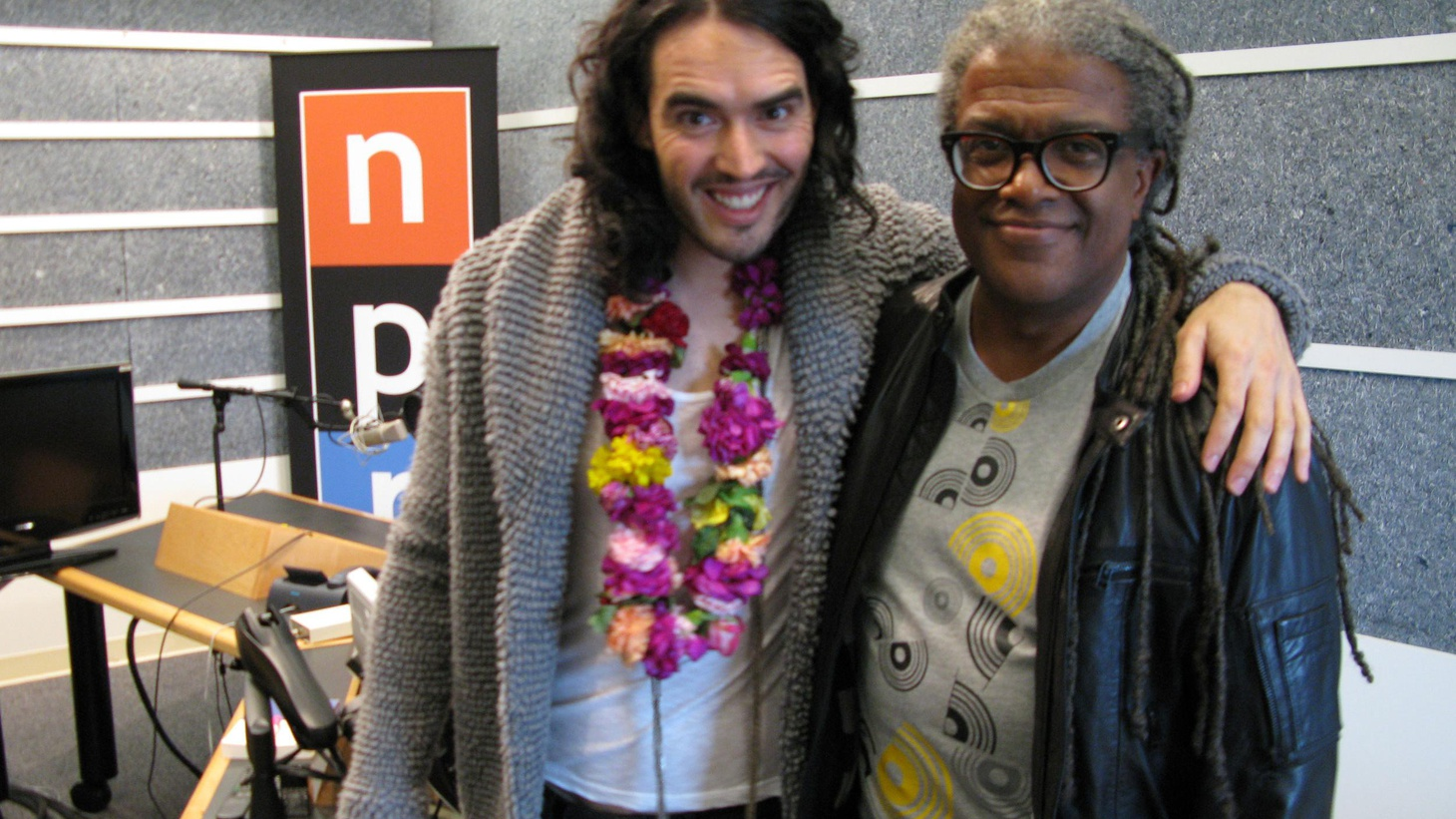 In celebration of Russell Brand hitting theaters in Arthur and as the voice of the Easter rabbit, E.B. in Hop, we re-broadcast this October 2010 interview with him...
